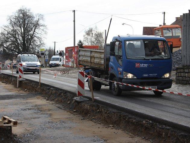 V Telči pokračuje rekonstrukce Štěpnice, takto minulý týden vypadala situace  na Třebíčské ulici.