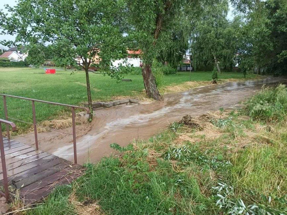 Velkou vodu zažili v Dobroníně na Jihlavsku.
