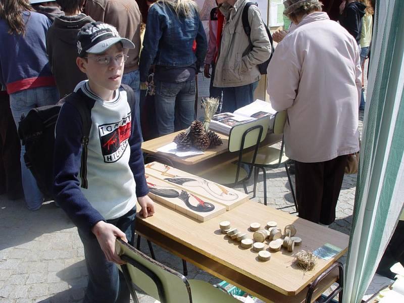 """Dospělí i děti si mohli zahrát na """"datla""""."""
