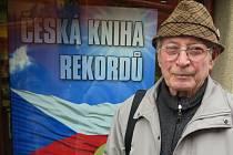 Fratntišek Vacek se dostal do České knihy rekordů a kuriozit.