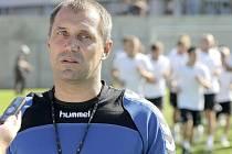 """Trenér Jihlavy Roman Pivarník vyznává pro diváka atraktivní styl. """"K úspěchu vede aktivní útočná hra na vítězství,"""" říká před zítřejším startem druholigové sezony."""