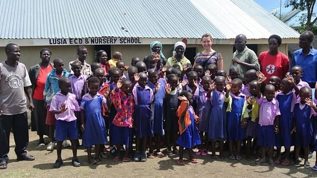 Africkým dětem udělaly radost dárky z Jihlavy. Lidé do zoo přinesli celkem 686 školních potřeb.