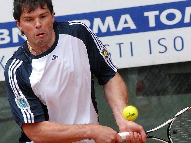Rekreační hráč. Hokejista Jaromír Jágr se s tenisovou raketou potkává zřídka.