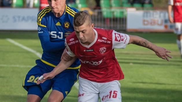Fotbalisté Vysočiny postoupili ze 3. kola MOL Cupu na hřišti druholigových Pardubic.