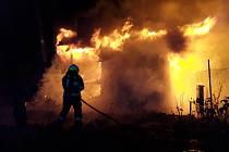 Hořela zahradní chata v Jihlavě v lokalitě pod Větrníkem.