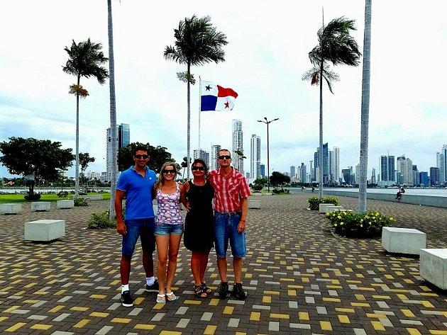 Cestování a poznávání nových míst patří ke koníčkům naší rodiny. Rádi se podíváme do různých koutů světa. Tady jsme byli vPanamě.