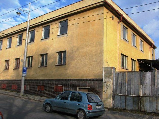 Žádné využití zatím nemá budova bývalé vojenské kuchyně vedle sídla Hasičského záchranného sboru kraje Vysočina.