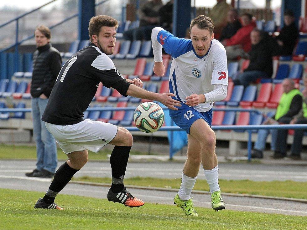 Polná se bude muset v nejbližší době obejít bez ofenzivního tahouna Daniela Kavky (vpravo), který pro zranění, ze středečního pohárového duelu chyběl i ve Velké Bíteši.