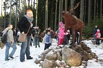 Největší atrakcí byl dřevěný jelen, u kterého se všichni s radostí vyfotili.
