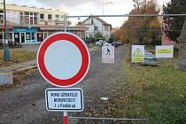 Do ulice Jiřího z Poděbrad smí aktuálně jen místní. Foto: Deník/Martin Singr
