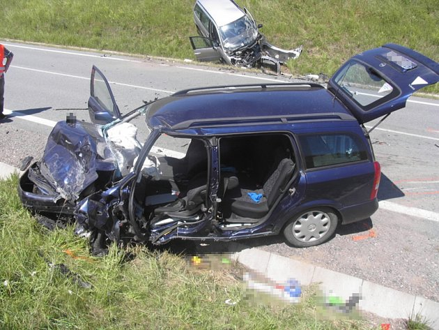 Nyní již bývalý velitel hasičů boural opilý v pátek 15. června u Vysokých Studnic na Jihlavsku. Při srážce dvou osobních aut se vážně zranili čtyři lidé, včetně dvou dětí.