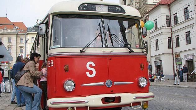 Historické trolejbusy brázdily v neděli ulice Jihlavy.