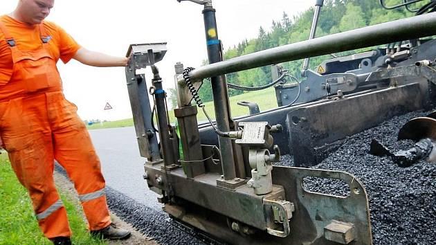 Oprava silnice mezi Pelhřimovem a Putimovem