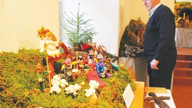Výstava betlémů v třešťském Schumpeterově domě je k vidění po celý rok, nejvíce však turisty láká právě v prosinci a v lednu společně s Betlémskou cestou.