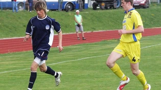Jihlavská juniorka gól nedala, ale v obraně byla bezchybná. Tak jako Daniel Nešpor (vpravo).