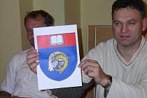 Otevřená kniha a hlava berana jsou dva motivy, které budou do budoucna zdobit znak a vlajku Velkého Beranova.