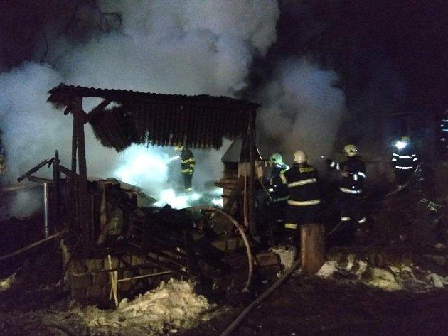 V Jihlavě shořela chata, škoda je téměř milion