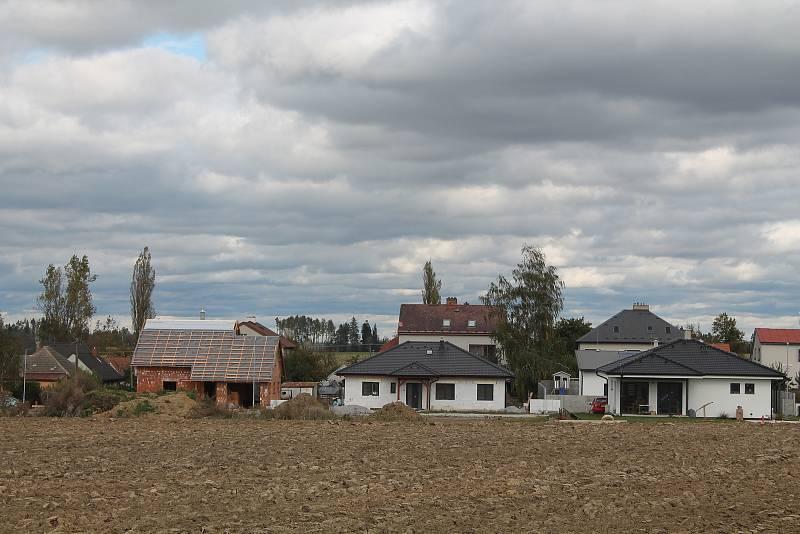 Nové rodinné domy v Nových Domcích.