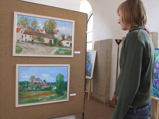 Výstava obrazů Jaroslavy Kupkové v kostele sv. Víta v Pelhřimově.