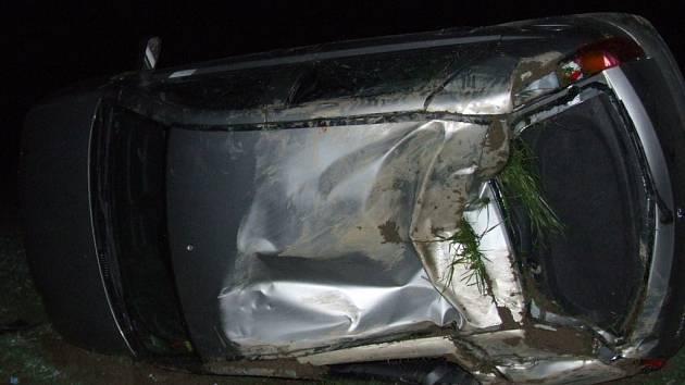 Nehoda dvou vozů na kopci Kolíbl.