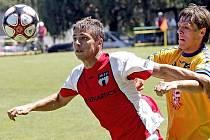 První přípravné duely čekají fotbalisty FC Vysočina v neděli v Tisu. Vloni tam Jihlavané  nastoupili v první duelu proti Vlašimi (na snímku), letos zahájí Vysočina turnaj s druholigovým nováčkem Bohemians Praha.
