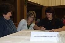 Obyvatelé Velkého Beranova na veřejném fóru o budoucnosti jejich obce.