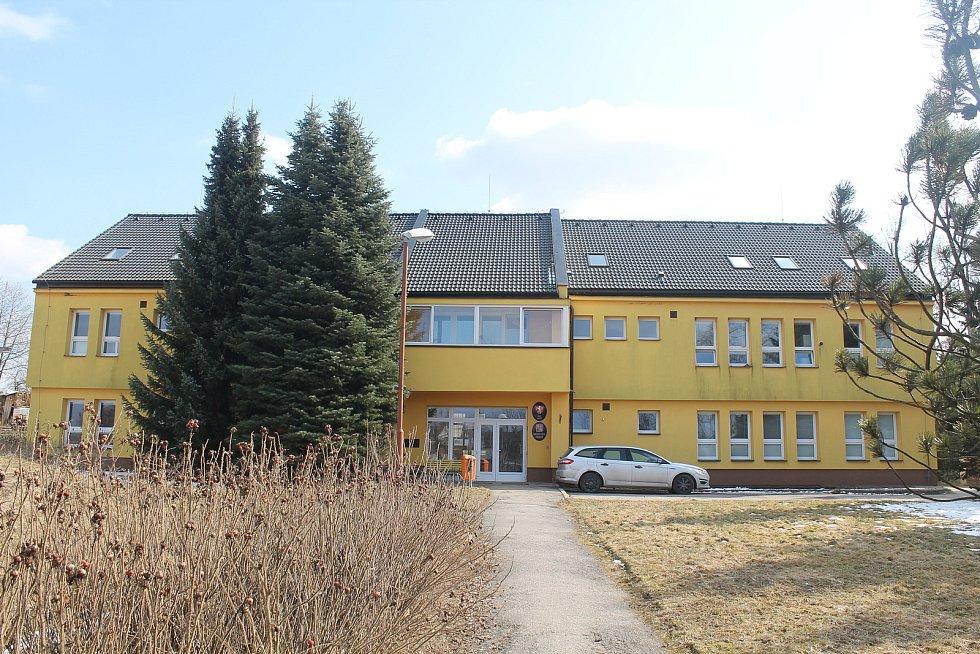 Budova obecního úřadu v Jamném.