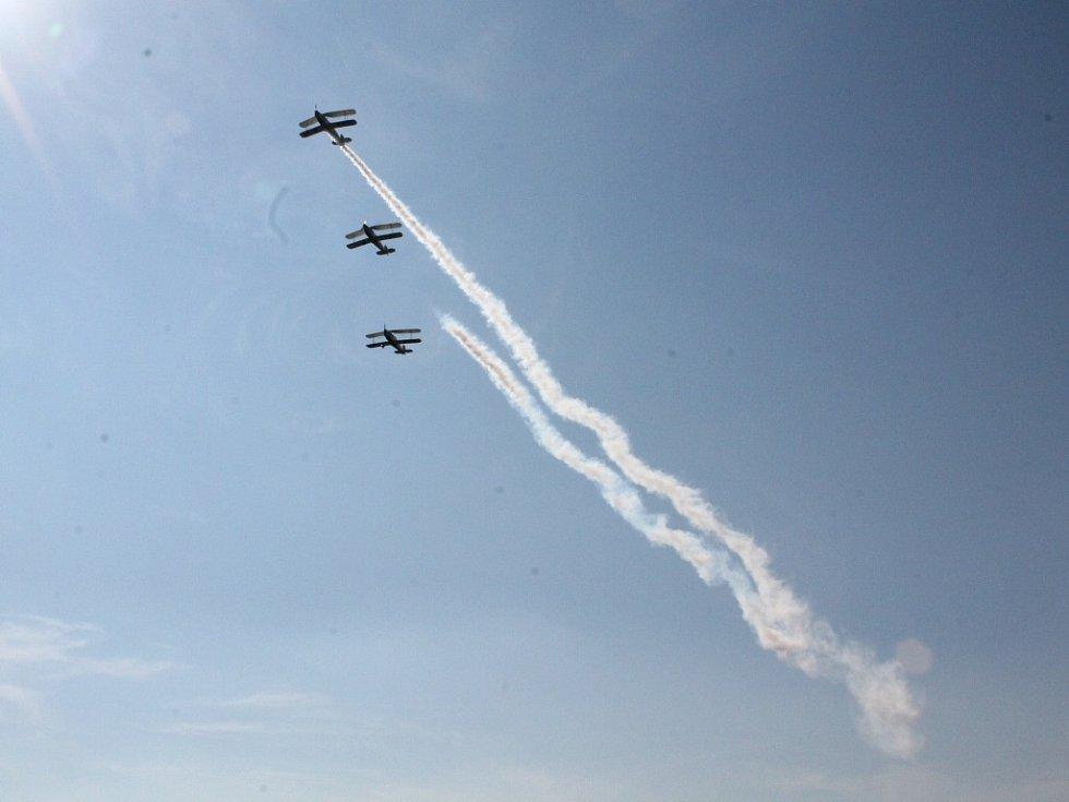 Letecké ukázky na nebi