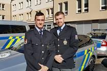 Policisté Radek Pytlík a Jindřich Dáňa. Foto: archiv Policie ČR