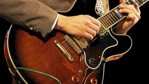 Bez elektrické kytary by rock'n'roll neexistoval.