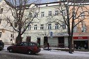 Budova s adresou Masarykovo náměstí 18 by moha nabídnout bydlení pro významné osobnosti. Foto: Deník/Martin Singr