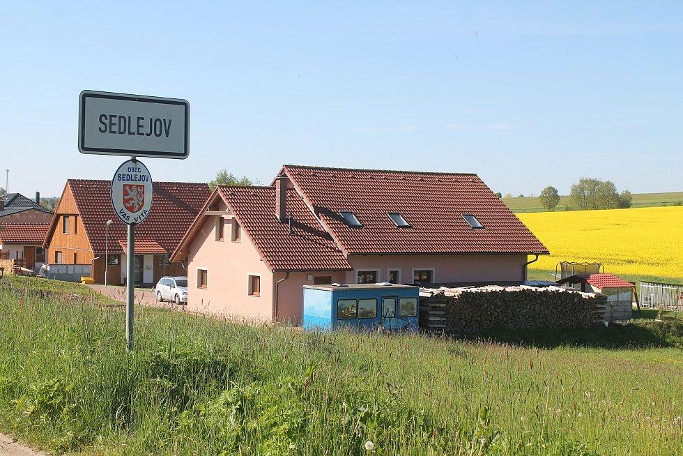 Sedlejov je malebná venice, podle starosty je však pořád na čem pracovat.