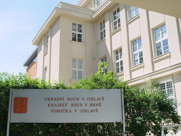 Zrekonstruovaná budova nového justičního paláce v Jihlavě, která se nachází v areálu bývalé nemocnice, bude slavnostně předána tento čtvrtek. Pobočka brněnského krajského soudu začne fungovat později.