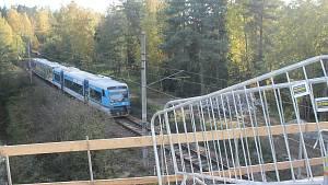 Nový most u Dvorců bude sloužit ještě letos.