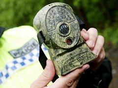 Maskovaná kamera odhalila pytláka, který měl políčeno na ptáky.