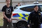 Romana Přibyla pživezla k soudu policejní eskorta