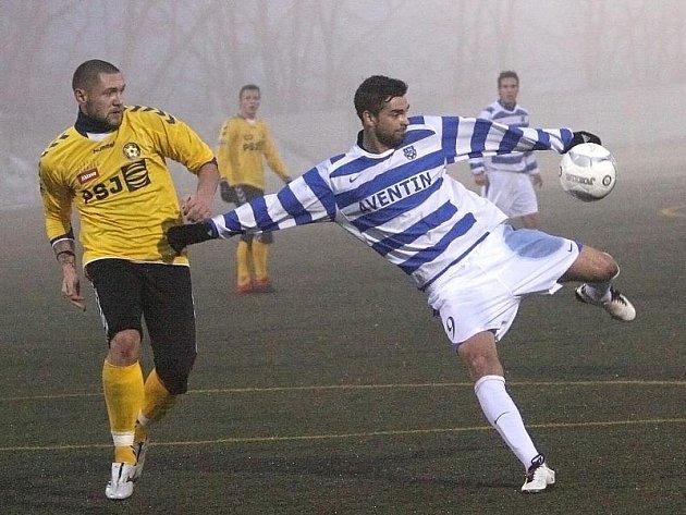 Fotbalisté jihlavské Vysočiny sice byli proti Brnu lepším týmem, ale nakonec odešli ze zápasu poraženi, Zbrojovce podlehli 0:2.