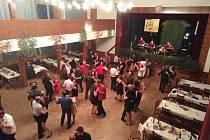 Myslivecký ples v Dobroníně.