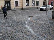 Slaná cesta v ulicích Jihlavy způsobila technická závada stroje. Oprava byla rychlá.