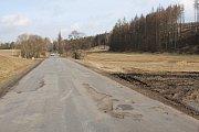 Silnice se řadu let neopravovala s odůvodněním, že se brzy bude dělat  nová.