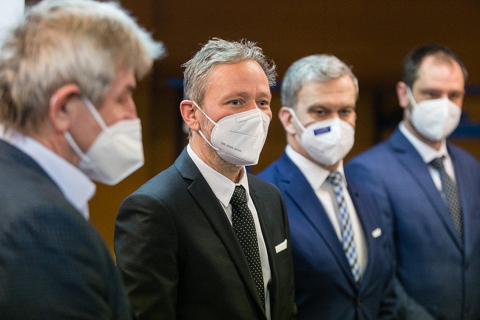 Hejtman Kraje Vysočina Vítězslav Schrek a náměstek hejtmana pro oblast zdravotnictví Vladimír Novotný.