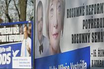 Před dvěma roky patřil k předvolební kampani v krajském městě les billboardů. Letos jich má být méně, strany ohlásily kampaň ve znamení šetření.
