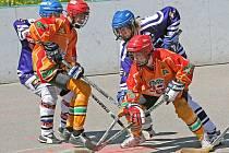 Jihlavští mladší dorostenci (v oranžovém) přivezli z Ústí nad Labem jednu výhru, která prodloužila finálovou sérii.