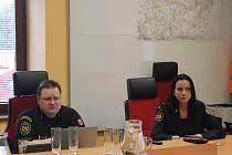 Ředitel Hasičského záchranného sboru Kraje Vysočina Jiří Němec a tisková mluvčí Petra Musilová.