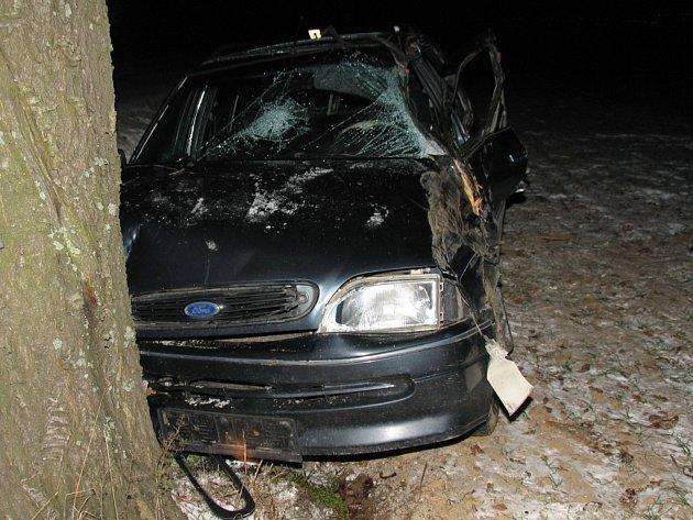 Alkohol a vysoká rychlost byly příčinou dopravní nehody ve Smrčné na Jihlavsku.