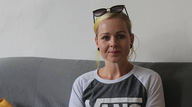 Aneta Bazalová je novou posilou, kombinuje práci pro jihlavskou a žďárskou charitu.