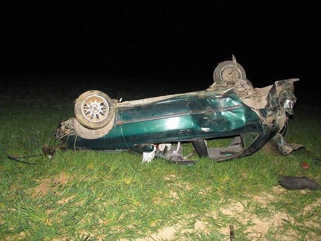 U obce Velký Beranov havaroval 24letý řidič osobního auta.