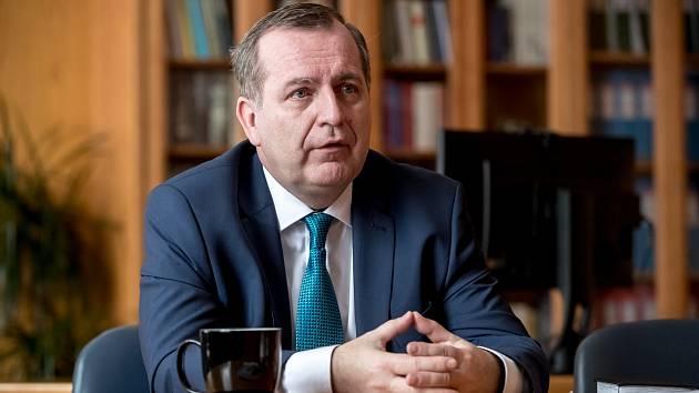 Rektor Univerzity Karlovy v Praze Tomáš Zima.