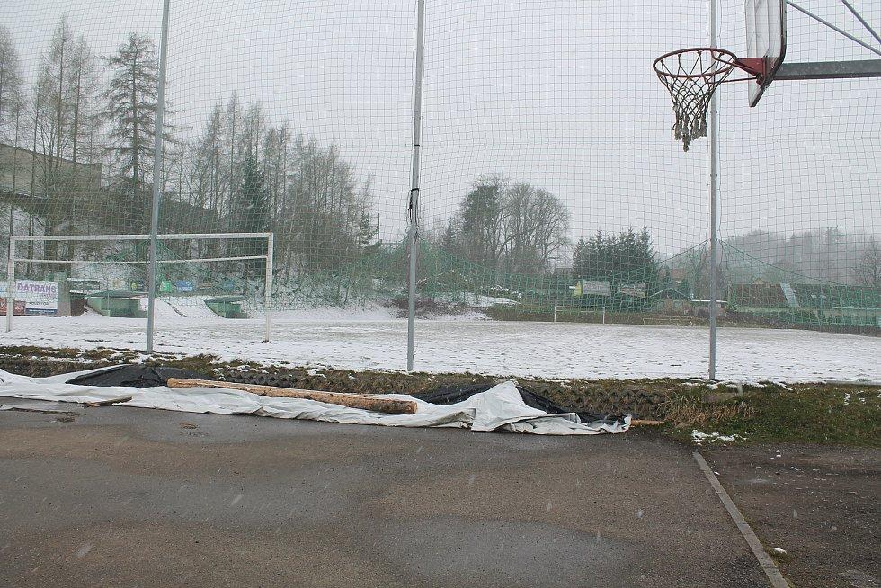 Fotbalisté doufají, že děti během pandemie neztratí zájem o sport.