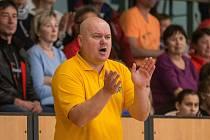 Trenér Petr Pešout by rád zase koučoval své jihlavské basketbalisty. Na druhou stranu ví, že dohrát rozjetou sezonu bude složité.